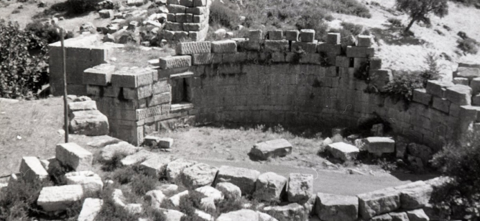 66-08-022: Messene, Arkadian Gate, detials of masonry in various parts of the circular courtyard