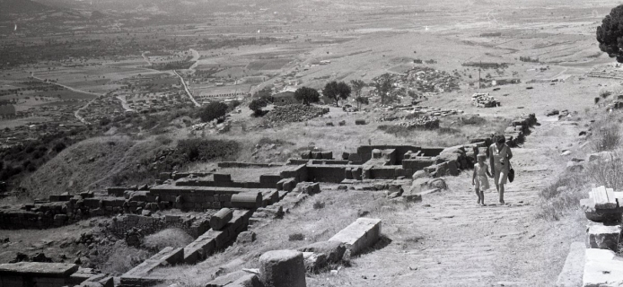 66-16-017: Pergamon, road up from altar going past Ruler-cult sanctuary