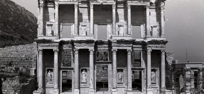82-6A-034 Ephesos, rebuilt façade of the Celsus Library