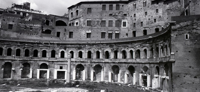 View of the surviving portion of the Mercati Traianei from the Forum of Trajan in Rome. (Professor Fred Winter, 1988)