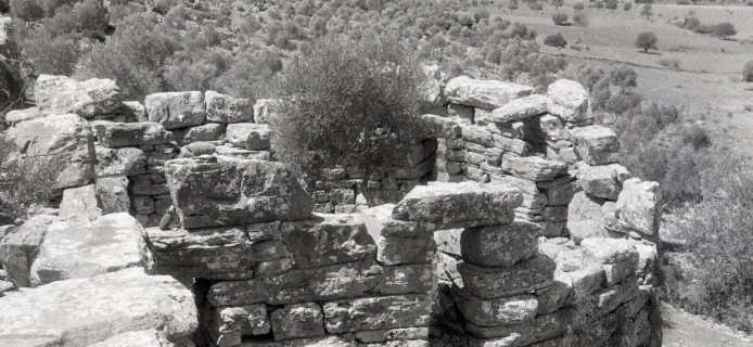 57-05-004: Iasos, island site, ashlar masonry with headers and (later?) mortar backing