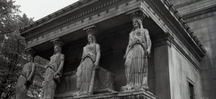 """88-21-032 London, """"St. Pancras-in-the-Erechtheion"""", general views, and details of Ionic capitals, Karyatid porch and """"tholos"""""""